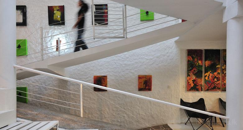Randeniya house design cues chartered architects for Interior house designs in sri lanka